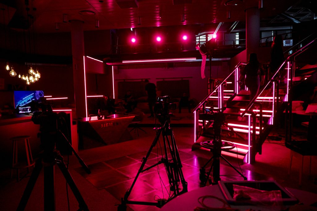 Primetime3-Livestream-Webcats-SocialMediaVideo-BrandChannel-Videocontent-RedtagMedia-Erlangen-Nürnberg-Fürth.jpg
